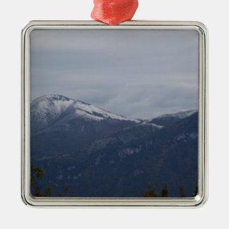 Montañas en invierno ornamento para arbol de navidad