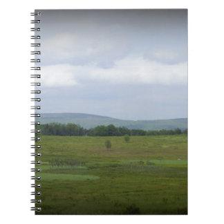 Montañas en la distancia cuaderno