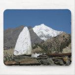 Montañas en Nepal Alfombrillas De Ratón