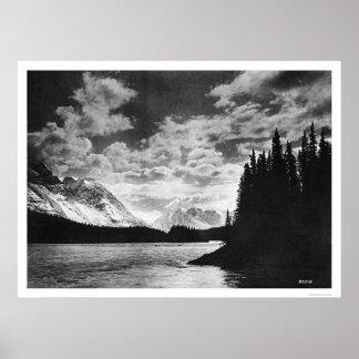 Montañas gloriosas 1920 de Alaska Póster