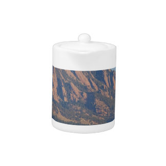 Montañas rocosas Flatirons de Colorado con la ense
