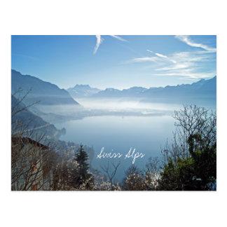 Montañas suizas tarjeta postal