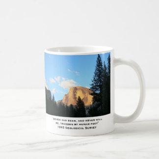 Montañas viejas, viejas citas taza