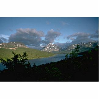 Montañas y nubes grises fotoescultura vertical