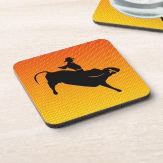 Montar a caballo amarillo-naranja de Bull Posavasos De Bebidas