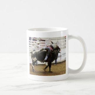 Montar a caballo de Bull Taza Clásica