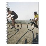 Montar a caballo del camino de los ciclistas en Ma Cuadernos