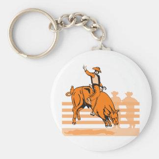 Montar a caballo del toro del vaquero del rodeo llaveros personalizados