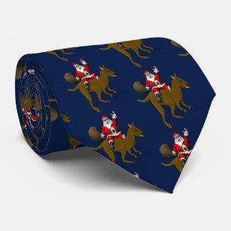 Montar a caballo divertido de Papá Noel en canguro Corbata Personalizada