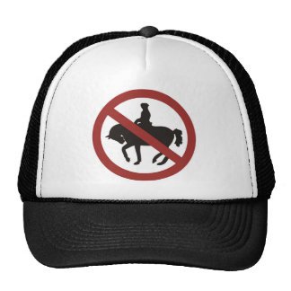 montar a caballo gorro de camionero