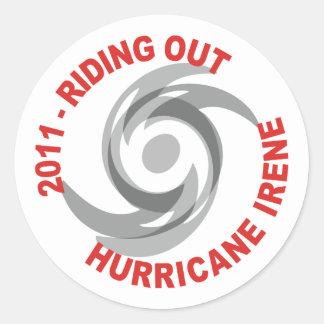 Montar hacia fuera el huracán Irene 2011 Etiquetas Redondas