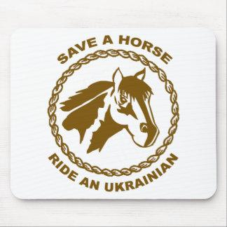 Monte a un ucraniano tapetes de ratón