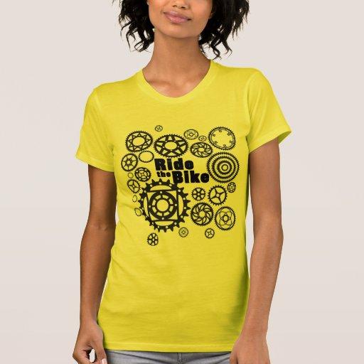 Monte la bici camiseta