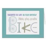 Monte los rastros Biking cumpleaños de la nuera Tarjeta De Felicitación