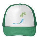 Monte una bici gorras