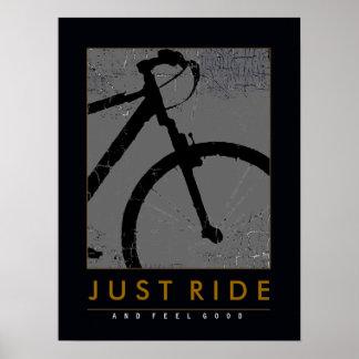 monte una bici y siéntase bien póster