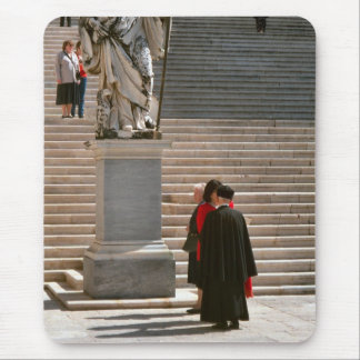 Montecassino, monjes y visitante mouse pads