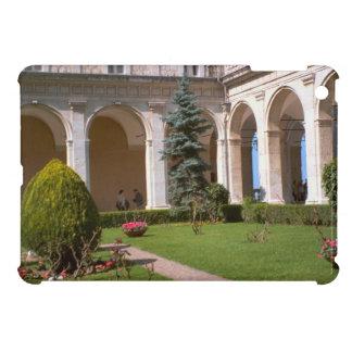 Montecassino, patio del jardín