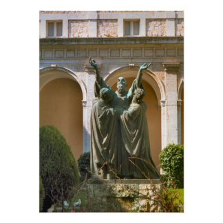 Montecassino, Statue in the courtyard Poster