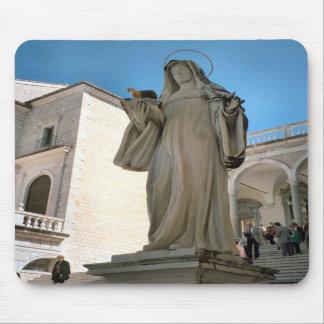 Montecassino, Statue of a Benedictine nun Mouse Pad