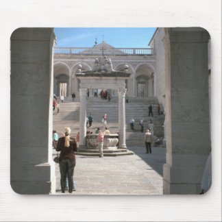 Montecassino, Well in the courtyard Mouse Pads