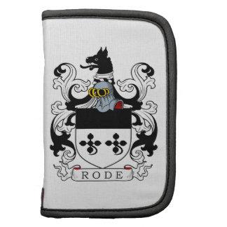 Montó el escudo de armas organizador