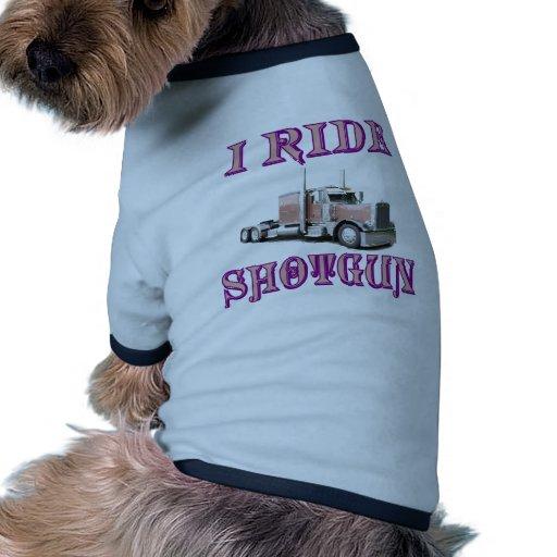 Monto la escopeta camiseta con mangas para perro