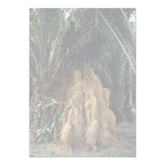 Montón gigante de la termita del bosque invitación 12,7 x 17,8 cm