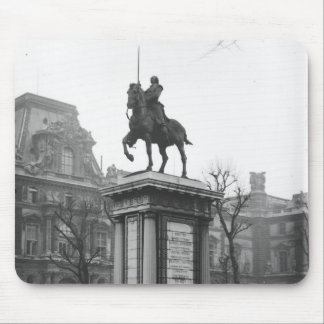 Monument dedicated to General Lafayette Mouse Pad