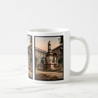 Monument to Leonardo di Vinci, Milan, Italy vintag Coffee Mug