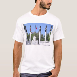Monument to Los Niños Héroes T-Shirt