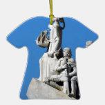 Monument to the Portuguese Discoveries at Lisbon Enfeites Para Arvore De Natal