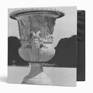 Monumental vase 3 ring binder