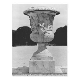 Monumental vase postcard