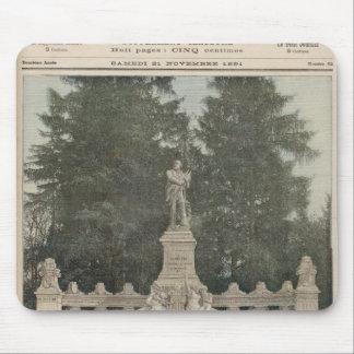 Monumento a Gambetta en Ville-d'Avray Mouse Pad