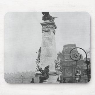 Monumento a León Gambetta Alfombrillas De Ratones