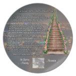 Monumento adaptable del mascota de la foto del pue platos