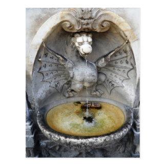Monumento antiguo de Italia del agua del dragón de Postales