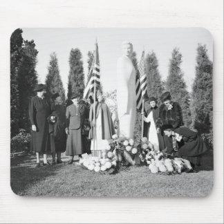Monumento de Arlington a las enfermeras 1938 Alfombrillas De Raton