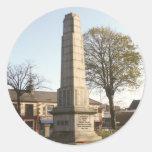 Monumento de guerra de Newtownards Pegatinas Redondas