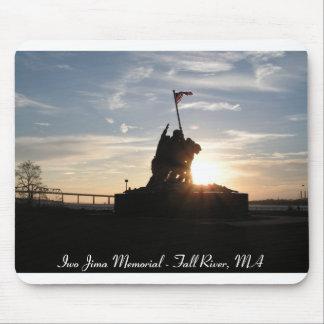 Monumento de Iwo Jima en la puesta del sol Alfombrilla De Raton