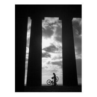 Monumento de Penshaw con la postal del motorista