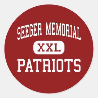 Monumento de Seeger - patriotas - alto - Líbano Pegatina Redonda