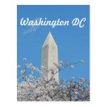 Monumento de Washington en primavera Postal