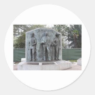 Monumento del oficial de paz de CA Pegatinas Redondas