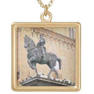 Monumento ecuestre de Bartolommeo Colleoni (1400- Collares Personalizados