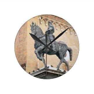 Monumento ecuestre de Bartolommeo Colleoni (1400- Relojes