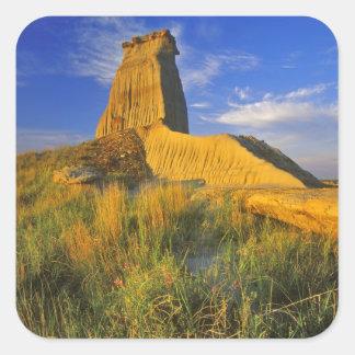 Monumento erosionado en el pequeño Missouri Pegatina Cuadrada