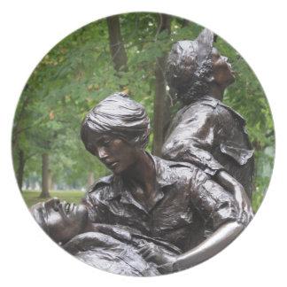 Monumento para mujer de Vietnam Plato De Cena