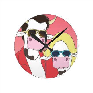 Moo Romance Round Clock